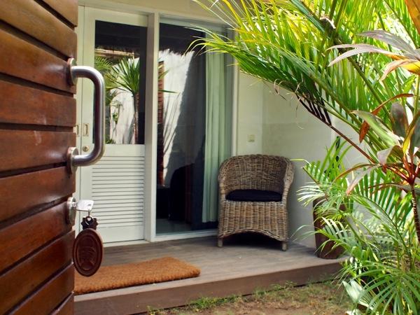 gili trawangan accommodation scallywags resort