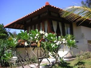 affordable accommodation gili meno villa
