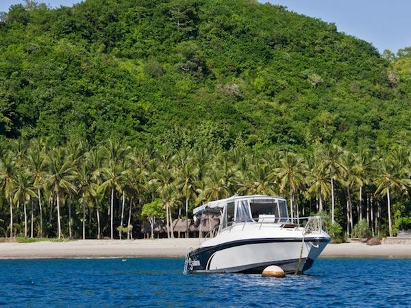 Gili islands boat charter island hopping fishing